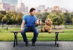 Thunder-Buddies für ein ganzes Leben: John (Mark Wahlberg) und Ted liegen auf einer Wellenlänge und verbringen jede freie Minute miteinander.