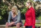 Nach heftigen Auseinandersetzungen finden Mika (Sophie Schütt, re.) und Klara (Alwara Höwels) endlich zu einem ruhigen Gespräch.