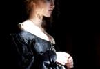 Lucrezias (Isolda Dychauk) Schwangerschaft muss geheim gehalten werden.