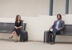 Gefangen im Nichts: Winona Ryder und Keanu Reeves können sich zwar nicht ausstehen, fahren aber trotzdem zusammen zu einer Event-Hochzeit.
