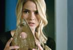 Die angehende Studentin Debbie Galardi (Shelley Hennig) stößt auf ein mysteriöses Hexenbrett, das angeblich den Kontakt zu bereits verstorbenen Menschen ermöglicht. Der Verstoß gegen die Spielregeln kann jedoch maßgebliche Folgen haben.