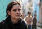 Esther Duflo in einem Slum in Indien. Die Entwicklungsökonomin will herausfinden, was im Kampf gegen die Armut wirklich hilft.