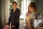 Die beiden ungleichen Frauen Konstanze (Anja Kling, l.) und Jacqueline (Carol Schuler, r.) müssen sich ein Zimmer in der Reha-Klinik teilen. Probleme und Streit sind hier programmiert.