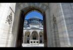 Die Süleymaniye-Moschee in Istanbul wurde zu Ehren von Sultan Süleyman dem Prächtigen errichtet. Das Meisterwerk islamischer Baukunst ist eines von vielen Gebäuden des talentierten Architekten Sinan.
