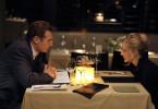 Peter (Liam Neeson) lernt seine Ehefrau Lisa (Laura Linney) von einer ganz anderen Seite kennen.
