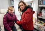 Ärztin Levke Sonntag kümmert sich ehrenamtlich am Wochenende um Obdachlose in Hamburg. Sie versorgt ihre Patienten in einer mobilen Praxis.