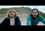 Ein Roadtrip mit Höhen und Tiefen: Als der alte Van, mit dem Camille (Anna Ferzetti) unterwegs ist, liegen bleibt, hilft ihr zum Glück Tramper Leo (Nicola Mastroberardino).