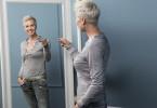 Sonja Zietlow hält den Stars in der neuen Psycho-Game-Show 'Stars im Spiegel - Sag mir, wie ich bin' den Spiegel vor - ungeschönt, offen und ehrlich.