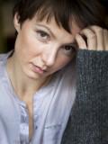 Julia Koschitz, geboren in Brüssel, ist eine österreichische Film- und Theaterschauspielerin.