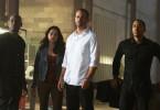 """Im Duell mit Shaw sind wieder einmal die besonderen Fähigkeiten von Roman (Tyrese Gibson, l.), Letty (Michelle Rodriguez), Brian (Paul Walker, M.) und Tej (Chris """"Ludacris"""" Bridges, r.) gefordert."""