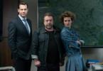 Fredo Schulz (Armin Rohde, M.) erfährt, dass Felix Montabaur (Thomas Heinze, l.) und Melissa Bols (Melika Foroutan, r.) ein Verhältnis hatten.