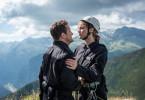Armin Fassbänder (Raphael von Bargen) will, dass Rebecca Quast (Sophie Pfennigstorf) die Gruppe nicht in Schwierigkeiten bringt.