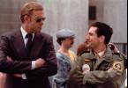 Ahnt der Secret Service (Richard Higgs, l.) etwas von Travis (Robert De Niro, r.) und seinen Anschlagsplänen?