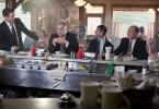 Familie Palmer versucht sich beim Essen ein wenig anzunähern: Hank (Robert Downey, Jr. l.),  seine Brüder Glen (Vincent D' Onofrio, 2. v. l.) und Dale (Jeremy Strong, 2. v. r.) und sein Vater Joseph (Robert Duvall, r.).