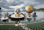 """Impressionen von den Aufbauarbeiten zu """"Rigoletto"""" in der Inszenierung von Philipp Stölzl. Ein gigantischer, fast 14 Meter hoher Kopf beherrscht das Bühnenbild des diesjährigen Opernspektakels auf der Bregenzer Seebühne."""