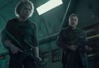 Sarah Connor (Linda Hamilton) und der Terminator (Arnold Schwarzenegger) kämpfen Seite an Seite.