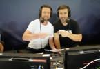 Marco Hagemann und Experte Steffen Freund (l.) kommentieren gemeinsam das Spiel.