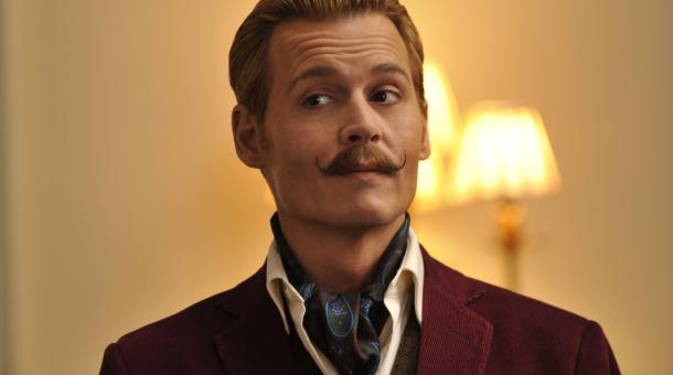 Charlie Mortdecai (Johnny Depp) ist in Geldnot.