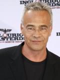 Macht nicht nur als Tatort-Kommissar eine gute Figur: Klaus J. Behrendt