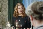 Sogar Leslie (Marie Bäumer) ist immer sprachlos angesichts der barschen Art ihrer Großmutter Fiona Barnes   (Hannelore Hoger).