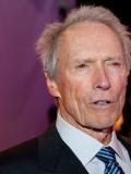 Regisseur, Schauspieler, Autor und Komponist: Clint Eastwood.