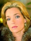 Regina Steinberg (Aglaia Szyszkowitz) misstraut ihrem Mann