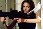 Fährt mächtige Geschütze auf: Angelina Jolie