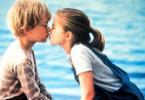 Augen zu und schmatz! Thomas (Macaulay Culkin)  bekommt seinen ersten Kuss von Vada (Anna  Chlumsky)