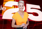 """25 einzigartige Platzierungen in einer Show! Welche Geschichte belegt den ersten Platz? Moderatorin Sonja Zietlow präsentiert """"Die 25 unglaublichsten Storys, die sie garantiert weitererzählen werden""""."""