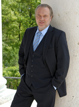 Jan-Gregor Kremp (Hauptkommissar Richard Voss).