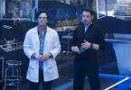 Um Frieden auf der Welt zu sichern, erschaffen Bruce Banner (Mark Ruffalo, l.) und Tony Stark (Robert Downey Jr.) eine künstliche Intelligenz. Zu ihrem Entsetzen schlägt diese jedoch einen ganz anderen Weg ein.