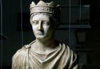 Büste von Friedrich II. –- der multikulturelle Intellektuelle auf dem Kaiserthron fasziniert bis heute.