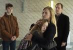 """Für Lasse (Yuri Völsch, v. l. n. r.) und Lena Schwarz (Ruby M. Lichtenberg) sind Marion (Anna Loos) und Uwe Mosbach (Godehard Giese) ihre """"neuen"""" Eltern.   - Foto aus Teil 1 -"""