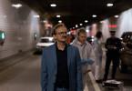 Adam Danowski (Milan Peschel, l.) sieht sich den Tatort an. Huber (Lennart Lemster, M.)  war mit der Spurensicherung bereits da.