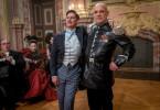 Ungleiche Freunde: Macheath (Tobias Moretti, li.) mit Polizeichef Tiger Brown (Christian Redl, re.)