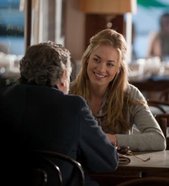 Ein angenehmer Job: Hunter (Robert De Niro) kümmert sich um die Bewachung von Anne (Yvonne Strahovski).
