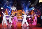 """Das """"Let's Dance"""" Profitänzer-Ensemble präsentiert die schönsten Tour-Tänze im Studio. (Archivbild)  Die Verwendung des sendungsbezogenen Materials ist nur mit dem Hinweis und Verlinkung auf TVNOW gestattet."""