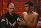Der junge Mann will eigentlich nur Sex - landet aber im Bett von Serienkiller Lars (Bozidar Kocevski, links).