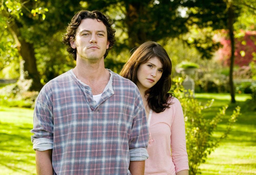 Tamara Drewe (Gemma Arterton) begegnet ihrem Jugendfreund Andy Cobb (Luke Evans) nach langer Zeit wieder.